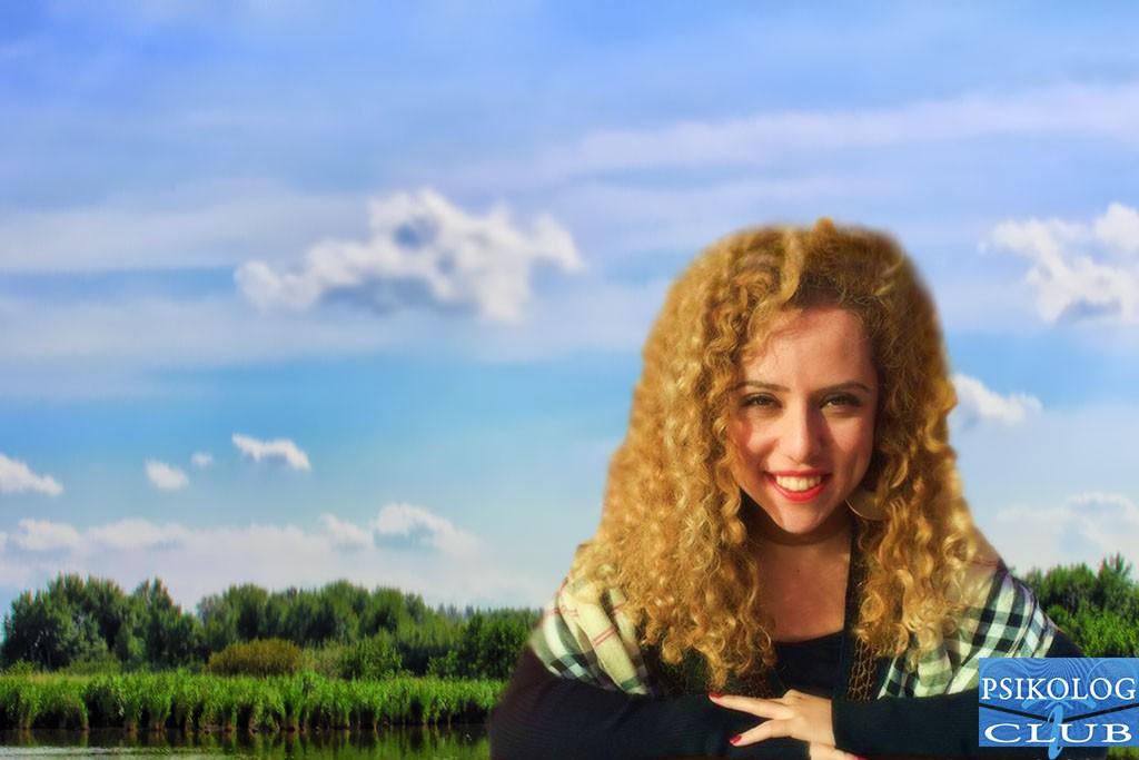 Psikolog Esra Bayraktar Süngü